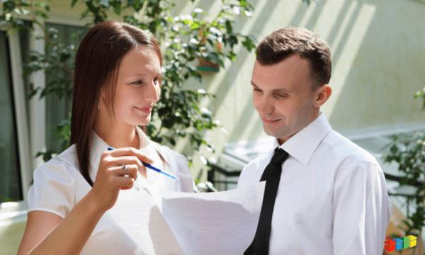 Man & woman negotiating price