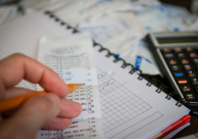 Financial life becomes easier with a budget